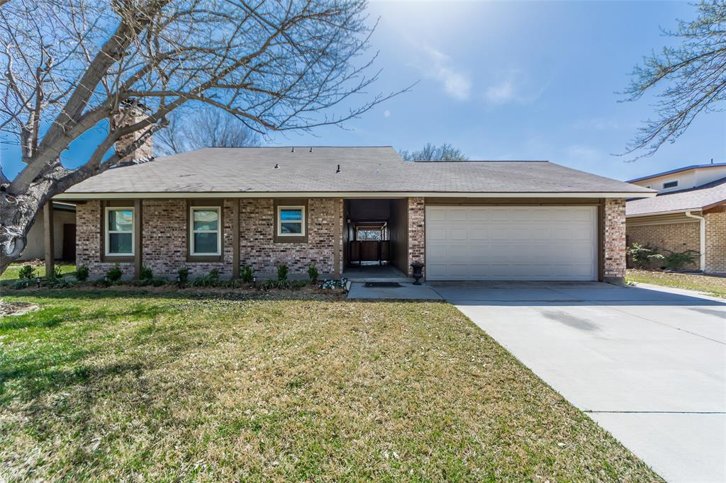 2412 Via Bonita  Carrollton, Texas 75006 - Acquisto Real Estate best plano realtor mike Shepherd home owners association expert