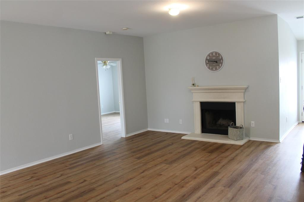 641 Mallard Drive, Saginaw, Texas 76131 - Acquisto Real Estate best mckinney realtor hannah ewing stonebridge ranch expert