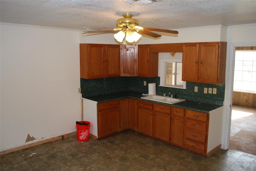 202 McFall Street, Whitesboro, Texas 76273 - acquisto real estate best style realtor kim miller best real estate reviews dfw