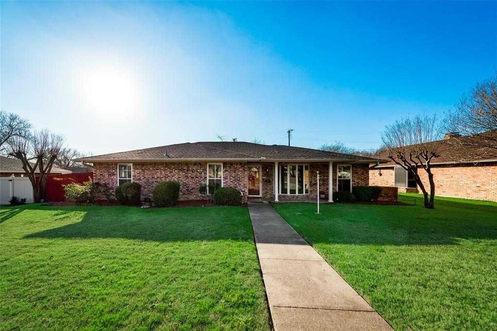305 Stony Creek Drive, DeSoto, Texas 75115 - Acquisto Real Estate best plano realtor mike Shepherd home owners association expert