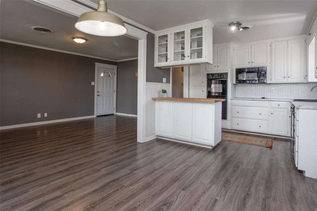 2700 Fuller Avenue, Fort Worth, Texas 76133 - acquisto real estate best real estate company to work for