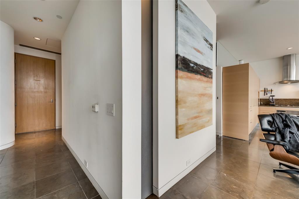 2430 Victory Park Lane, Dallas, Texas 75219 - acquisto real estate best realtor foreclosure real estate mike shepeherd walnut grove realtor