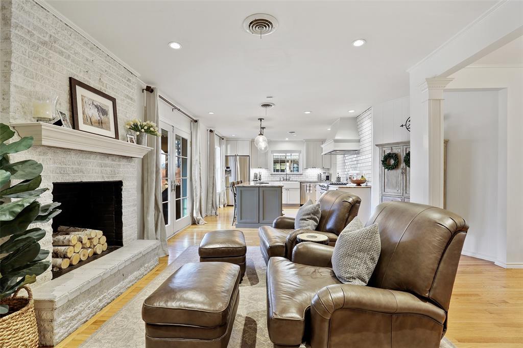 7845 Blackbird Lane, Dallas, Texas 75238 - acquisto real estate best celina realtor logan lawrence best dressed realtor
