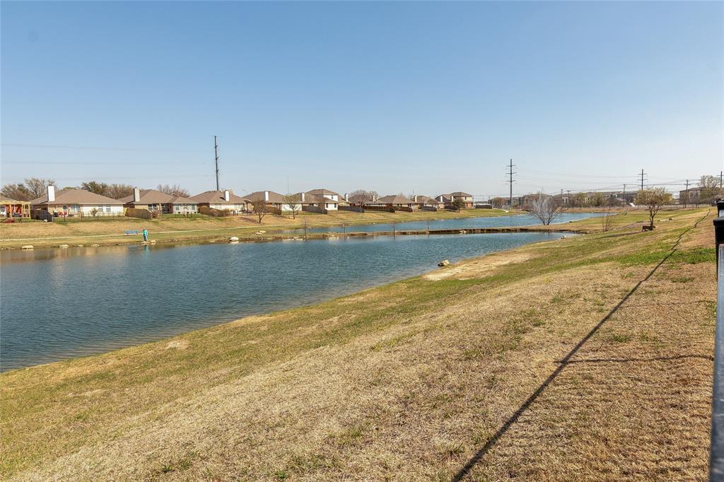 11636 Netleaf Lane, Fort Worth, Texas 76244 - acquisto real estate best negotiating realtor linda miller declutter realtor