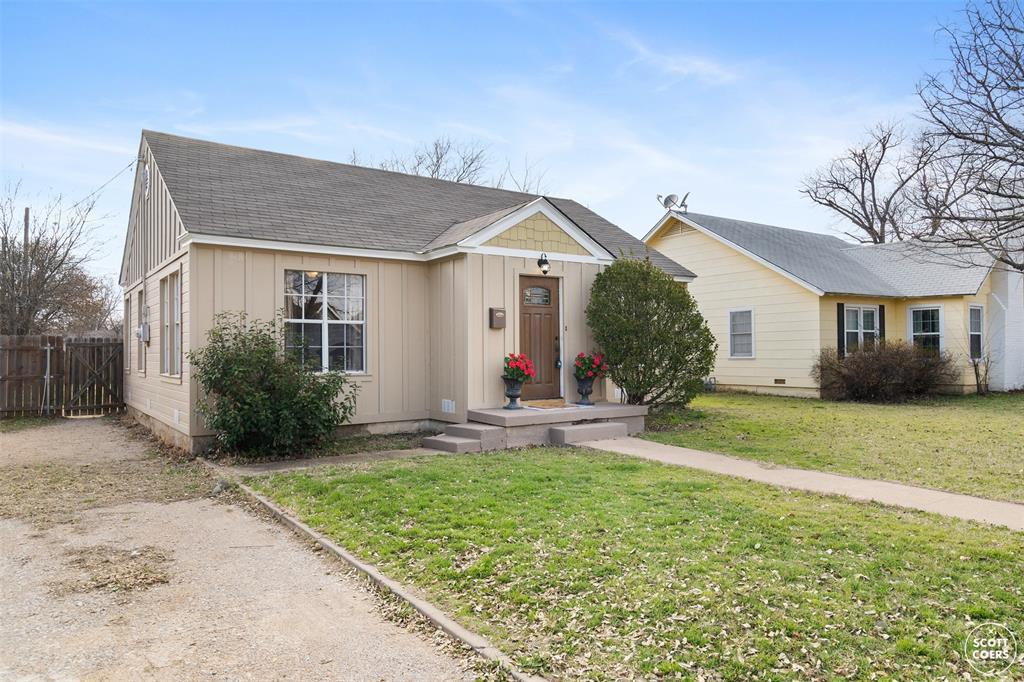 2313 1st  Street, Brownwood, Texas 76801 - acquisto real estate best negotiating realtor linda miller declutter realtor