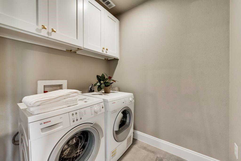 1209 Pine Street, Grapevine, Texas 76051 - acquisto real estate best relocation company in america katy mcgillen