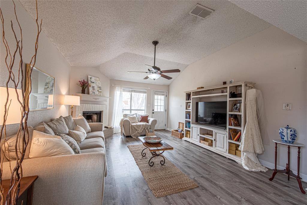 226 Merlin Drive, Weatherford, Texas 76086 - acquisto real estate best prosper realtor susan cancemi windfarms realtor