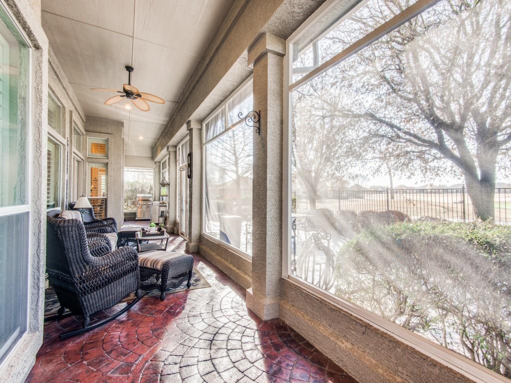 9005 Crestview Drive, Denton, Texas 76207 - acquisto real estate best looking realtor in america shana acquisto