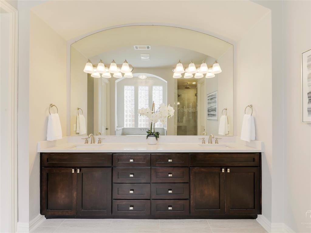5358 Moss Glen Drive, Frisco, Texas 75034 - acquisto real estate best negotiating realtor linda miller declutter realtor