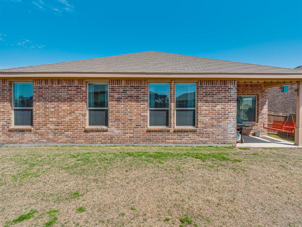 1725 Cross Creek Lane, Cleburne, Texas 76033 - acquisto real estate best real estate idx dilusso marketing mike acquisto