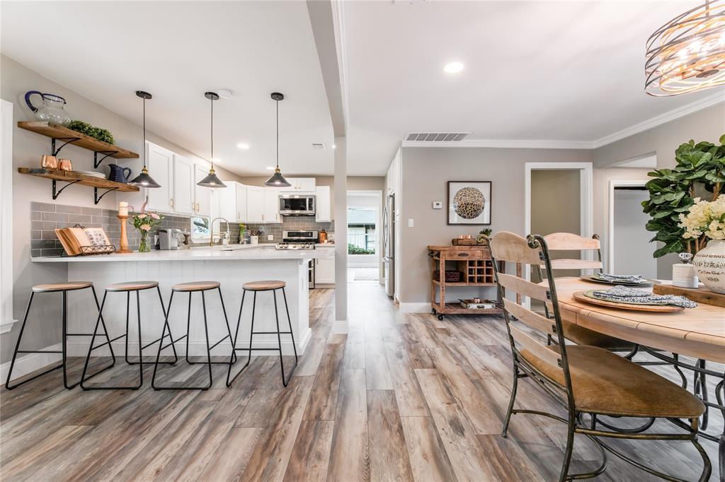 1209 Pine Street, Grapevine, Texas 76051 - acquisto real estate best highland park realtor amy gasperini fast real estate service