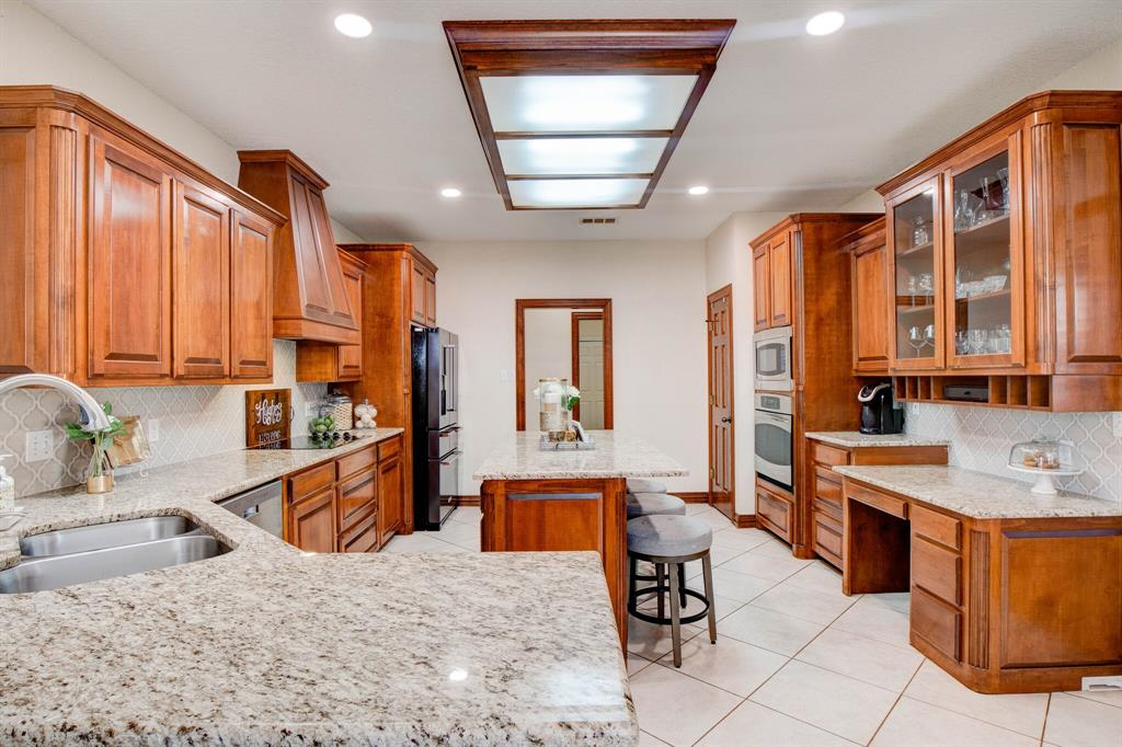 1805 Westhill Drive, Cleburne, Texas 76033 - acquisto real estate best investor home specialist mike shepherd relocation expert