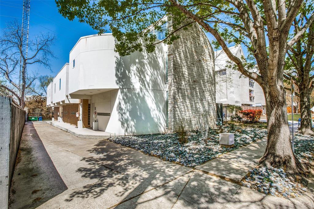 4251 Buena Vista Street, Dallas, Texas 75205 - Acquisto Real Estate best plano realtor mike Shepherd home owners association expert