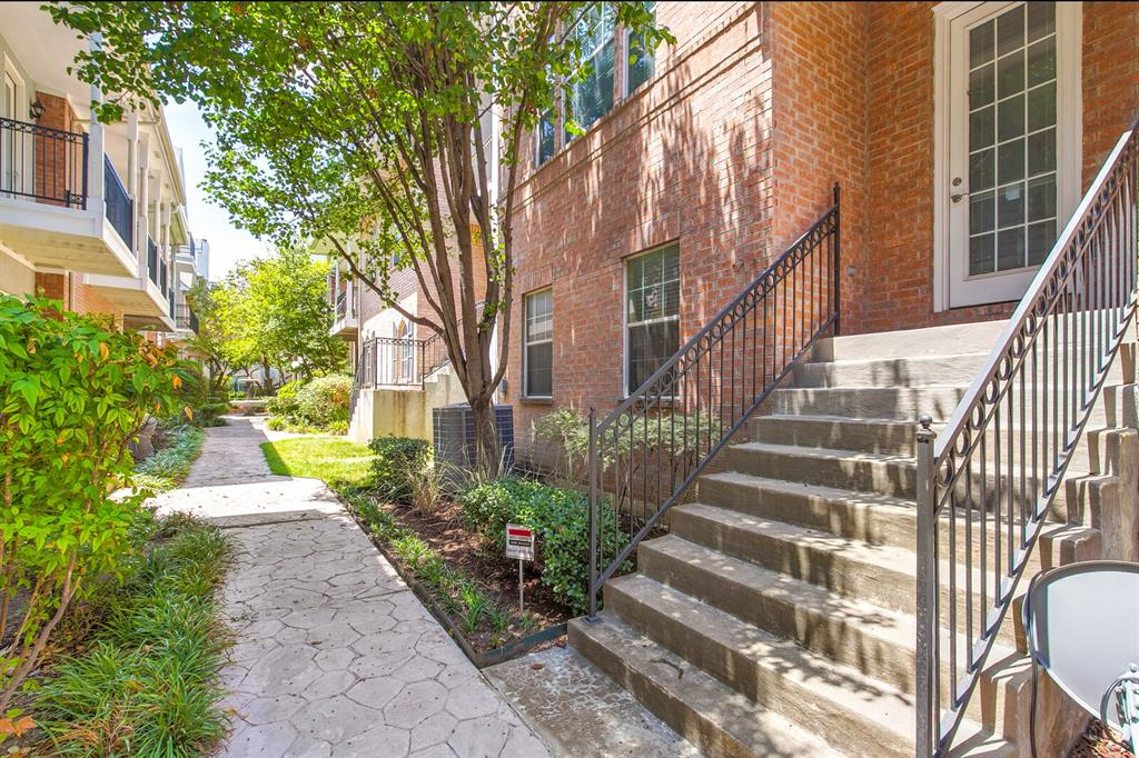 5800 La Vista Drive, Dallas, Texas 75206 - acquisto real estate best looking realtor in america shana acquisto