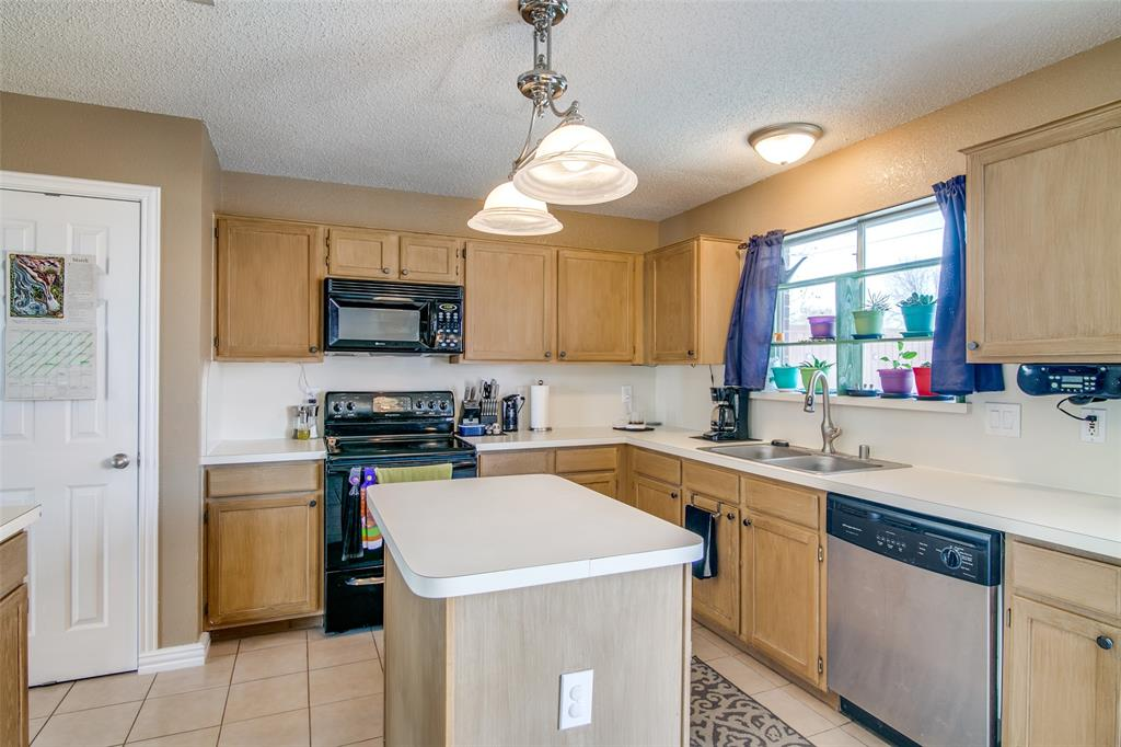 6109 Iris Drive, Rowlett, Texas 75089 - acquisto real estate best designer and realtor hannah ewing kind realtor