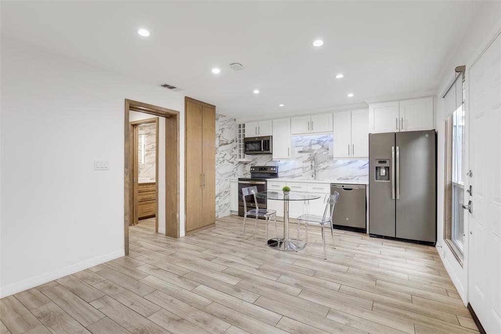 4130 Newton  Avenue, Dallas, Texas 75219 - acquisto real estate best prosper realtor susan cancemi windfarms realtor