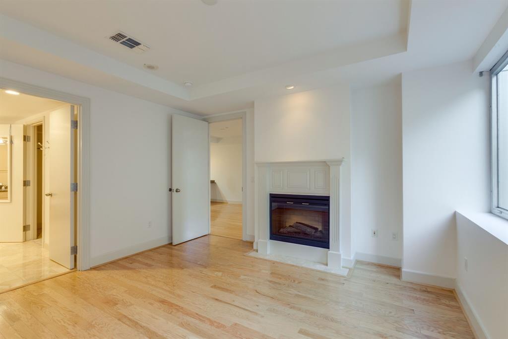 1505 Elm  Street, Dallas, Texas 75201 - acquisto real estate best highland park realtor amy gasperini fast real estate service