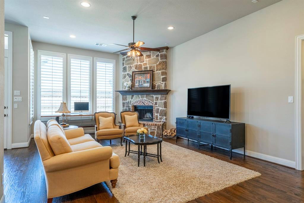 3033 Little Mill The Colony, Texas 75056 - acquisto real estate best new home sales realtor linda miller executor real estate