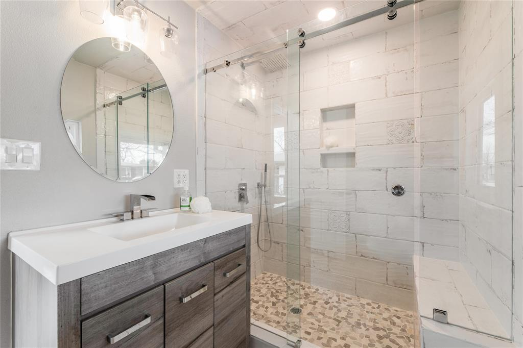 1209 Pine Street, Grapevine, Texas 76051 - acquisto real estate best looking realtor in america shana acquisto