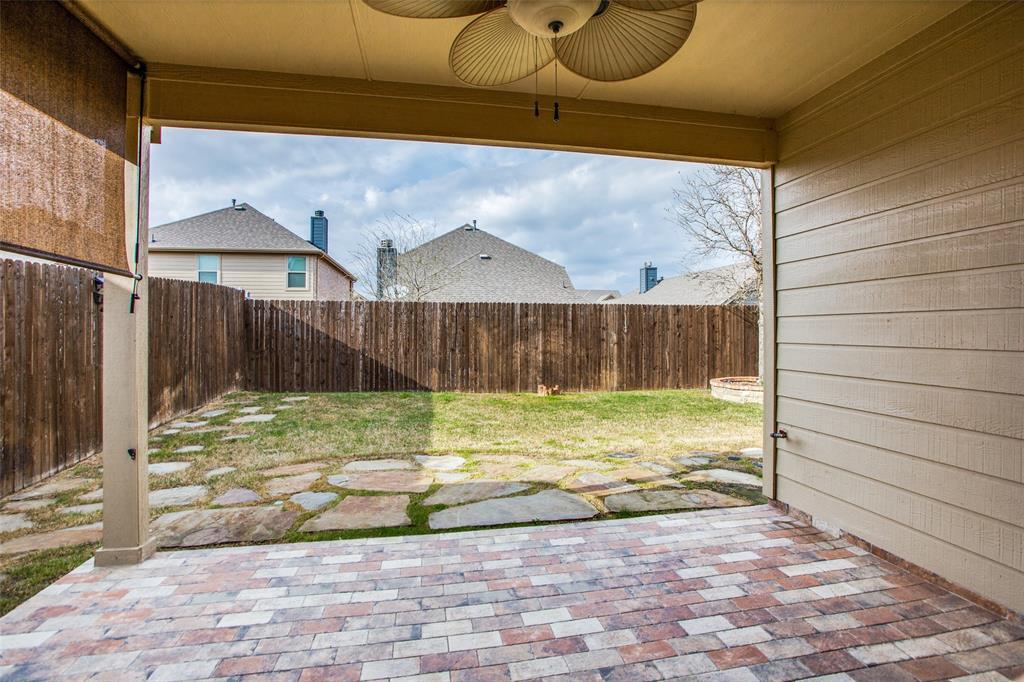 9820 Beaver Dam Lane, McKinney, Texas 75071 - acquisto real estate best realtor foreclosure real estate mike shepeherd walnut grove realtor