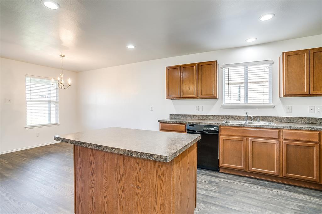 1261 Boxwood Lane, Burleson, Texas 76028 - acquisto real estate best realtor dfw jody daley liberty high school realtor