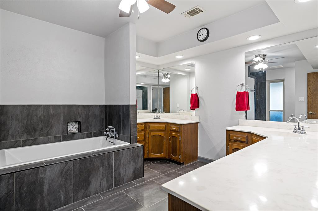 8628 Funtier Court, Fort Worth, Texas 76179 - acquisto real estaet best boutique real estate firm in texas for high net worth sellers