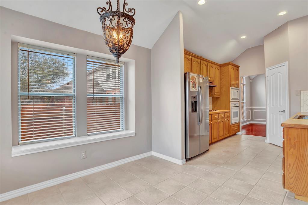 1811 Swaim Court, Arlington, Texas 76001 - acquisto real estate best new home sales realtor linda miller executor real estate