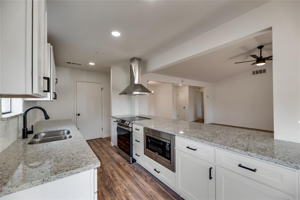 2205 Greenvalley  Drive, Carrollton, Texas 75007 - acquisto real estate best highland park realtor amy gasperini fast real estate service