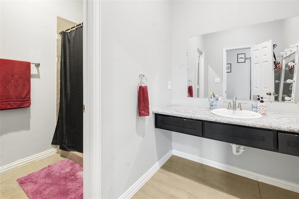8102 Suetelle  Drive, Dallas, Texas 75217 - acquisto real estate best real estate company to work for