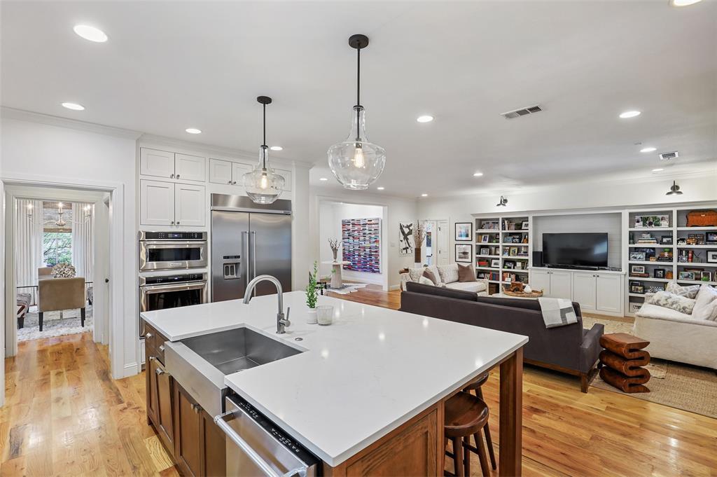 560 Northlake  Drive, Dallas, Texas 75218 - acquisto real estate best prosper realtor susan cancemi windfarms realtor