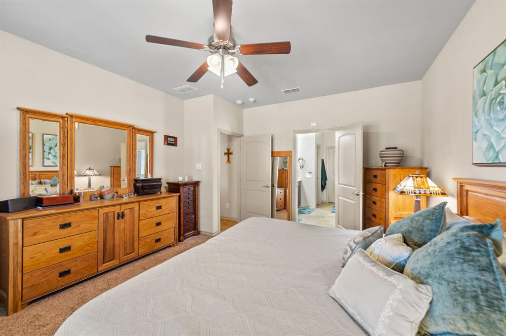 200 Oakmont Drive, Northlake, Texas 76226 - acquisto real estate best designer and realtor hannah ewing kind realtor
