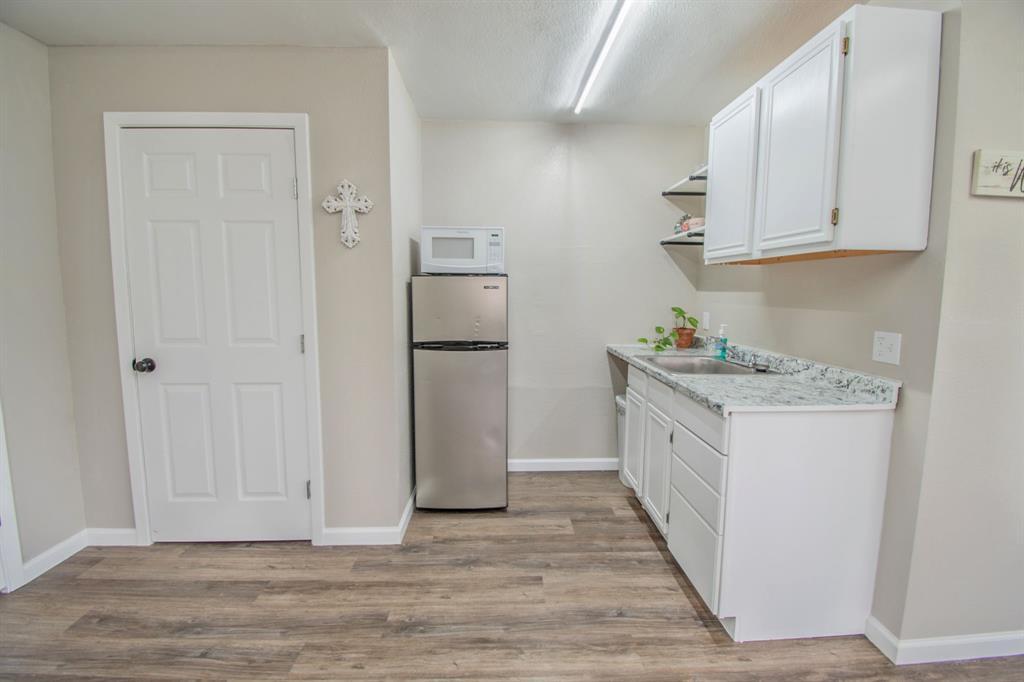 104 Oak Lane, Burleson, Texas 76028 - acquisto real estate best frisco real estate agent amy gasperini panther creek realtor