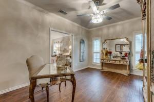 9631 Hilldale  Drive, Dallas, Texas 75231 - acquisto real estaet best boutique real estate firm in texas for high net worth sellers