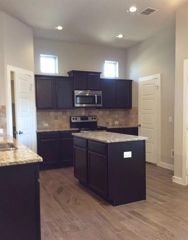 1050 Sierra Vista  Court, Midlothian, Texas 76065 - acquisto real estate best real estate company in frisco texas real estate showings
