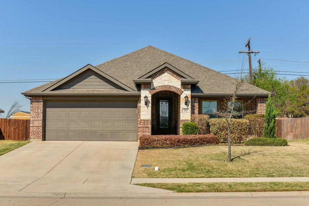 123 Sierra Drive, Waxahachie, Texas 75167 - Acquisto Real Estate best plano realtor mike Shepherd home owners association expert