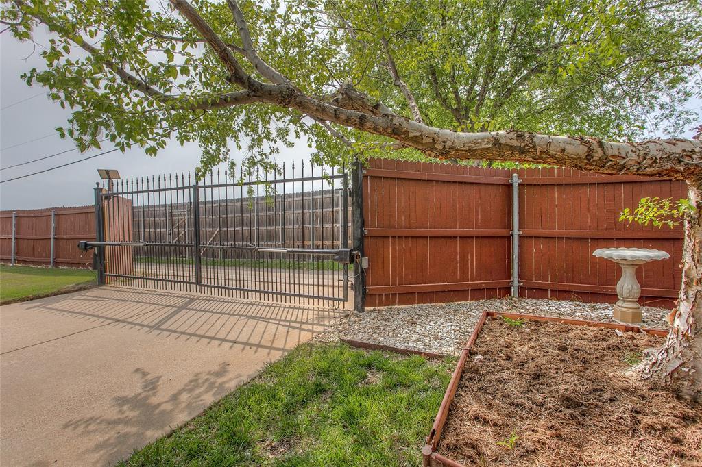1828 Lacey Oak  Lane, Keller, Texas 76248 - acquisto real estate best park cities realtor kim miller best staging agent