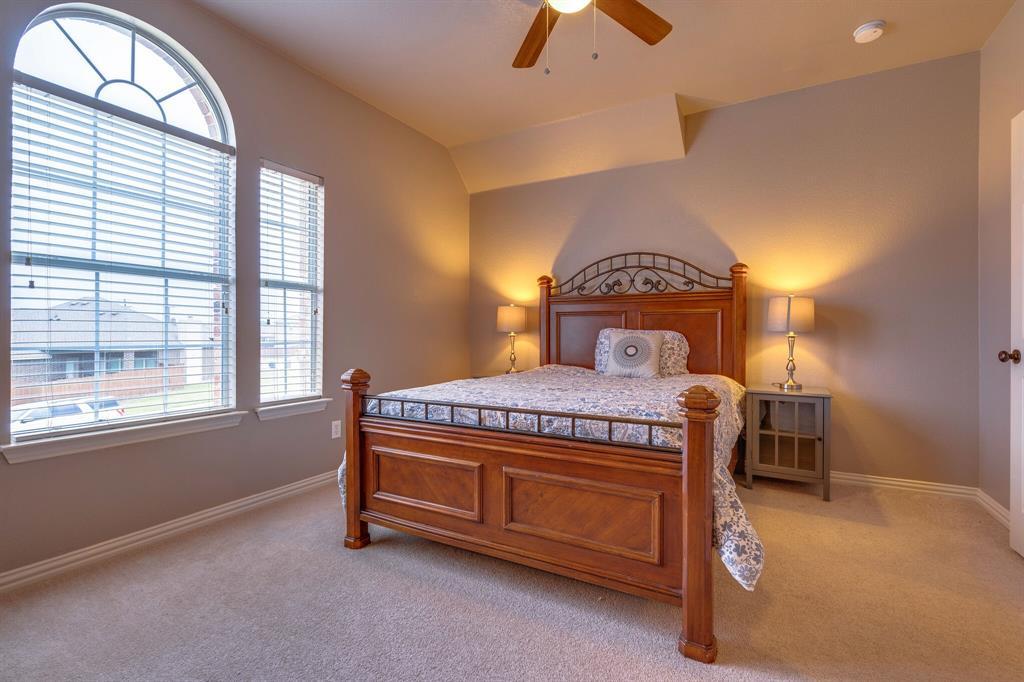 340 Cedar Crest  Drive, Justin, Texas 76247 - acquisto real estate best realtor dfw jody daley liberty high school realtor