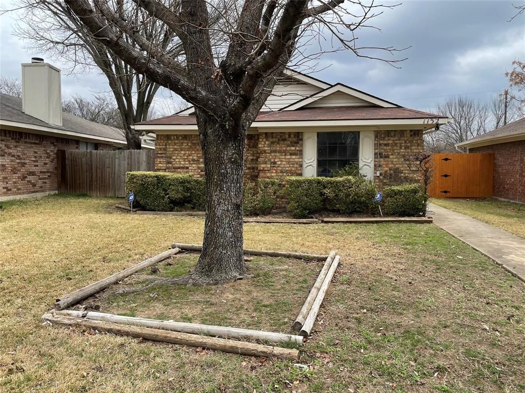 1152 Hemlock Drive, DeSoto, Texas 75115 - Acquisto Real Estate best plano realtor mike Shepherd home owners association expert
