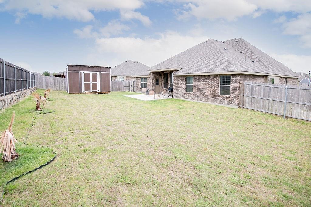 124 Haymeadow  Drive, Crandall, Texas 75114 - acquisto real estate best luxury home specialist shana acquisto
