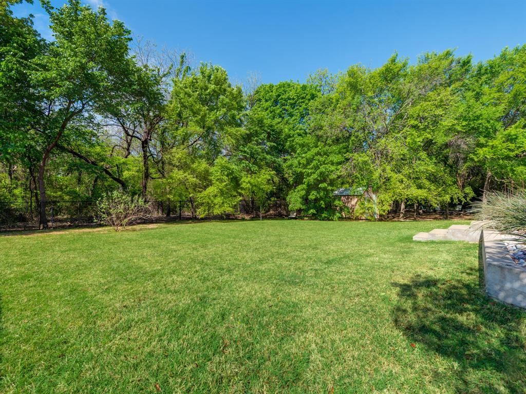 311 Cottonwood  Trail, Shady Shores, Texas 76208 - acquisto real estate agent of the year mike shepherd