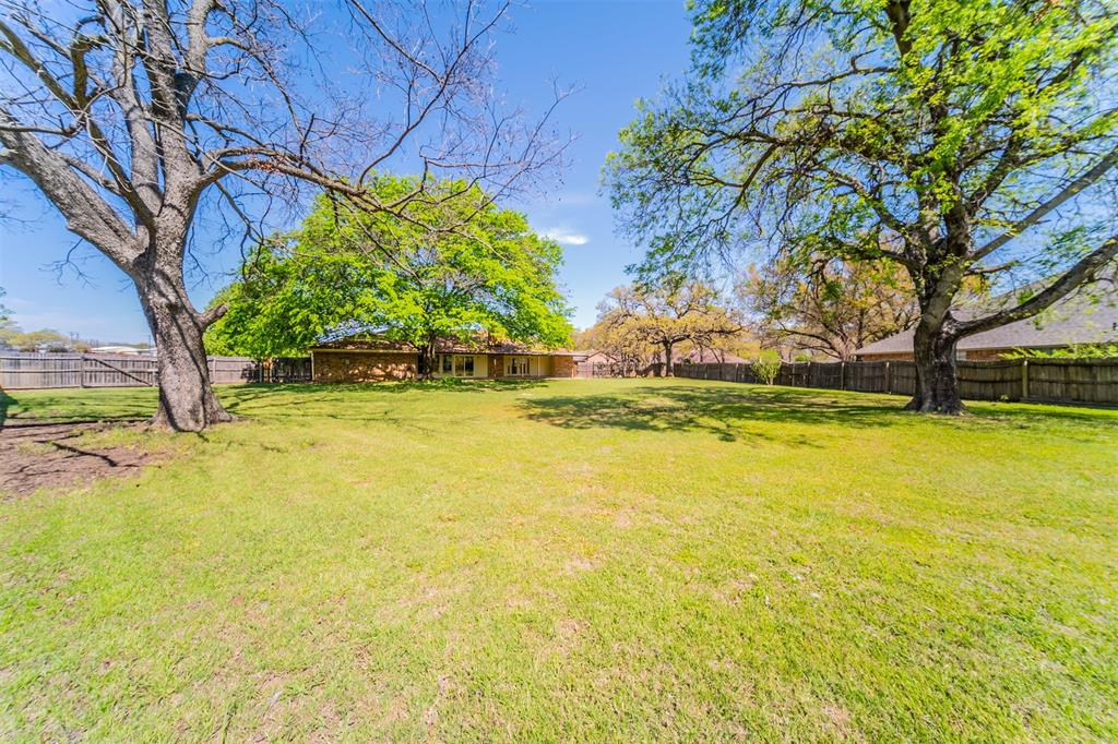 104 Mountain Valley Boulevard, Joshua, Texas 76058 - acquisto real estate best realtor westlake susan cancemi kind realtor of the year