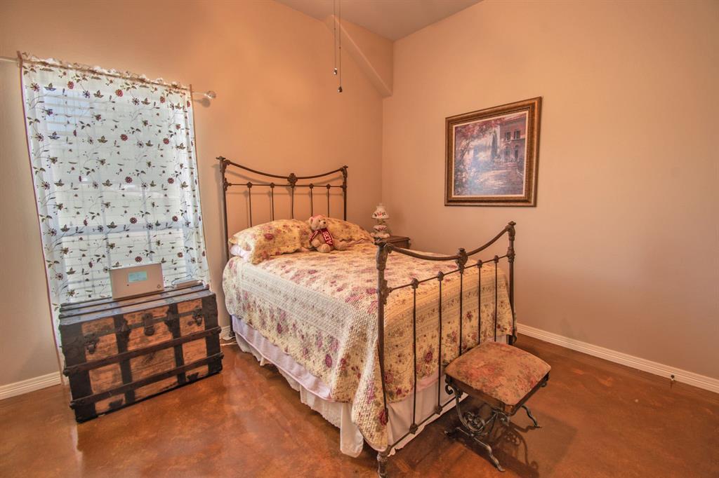 108 Shoreline  Circle, Weatherford, Texas 76088 - acquisto real estate best negotiating realtor linda miller declutter realtor