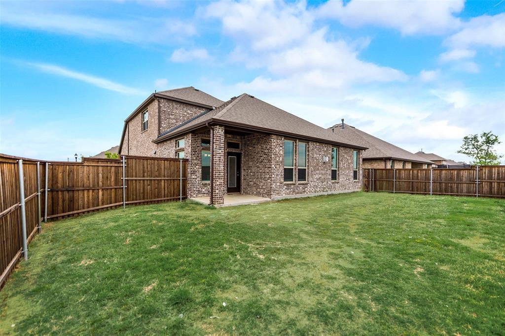 6101 Brunswick  Drive, Aubrey, Texas 75009 - acquisto real estate best photo company frisco 3d listings