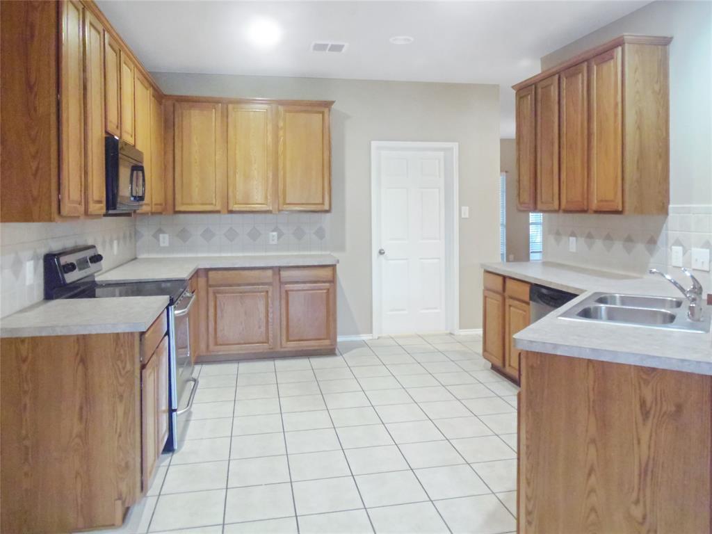 7463 Tormes  Grand Prairie, Texas 75054 - acquisto real estate best prosper realtor susan cancemi windfarms realtor