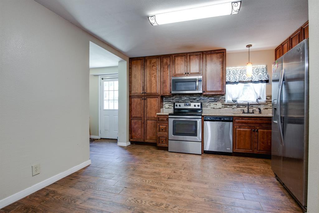 929 Ford  Street, Denison, Texas 75020 - acquisto real estate best luxury buyers agent in texas shana acquisto inheritance realtor