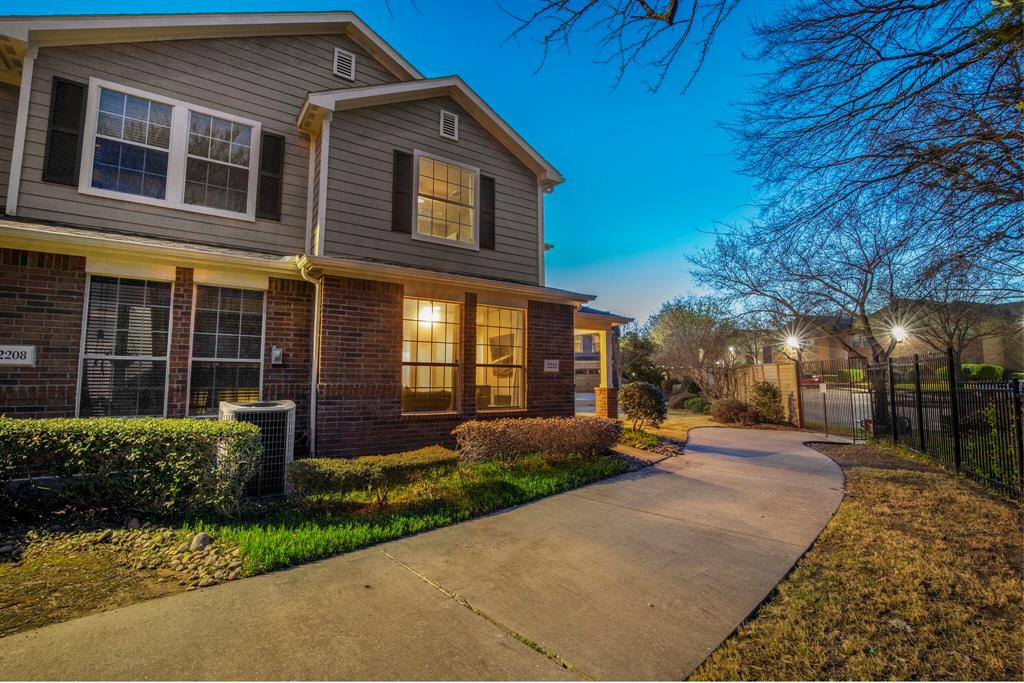 2212 Stoneleigh Place, McKinney, Texas 75071 - acquisto real estate agent of the year mike shepherd