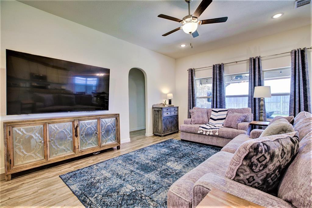 3920 Madison Lane, Denton, Texas 76208 - acquisto real estate best luxury buyers agent in texas shana acquisto inheritance realtor