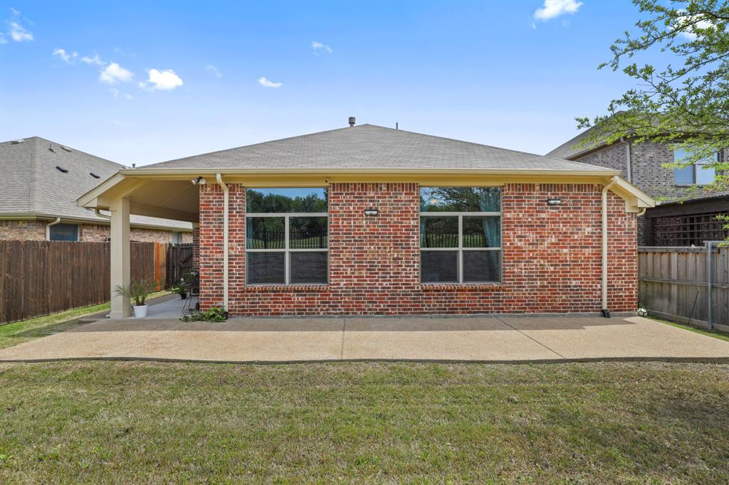2928 Golfview  Drive, McKinney, Texas 75069 - acquisto real estate mvp award real estate logan lawrence