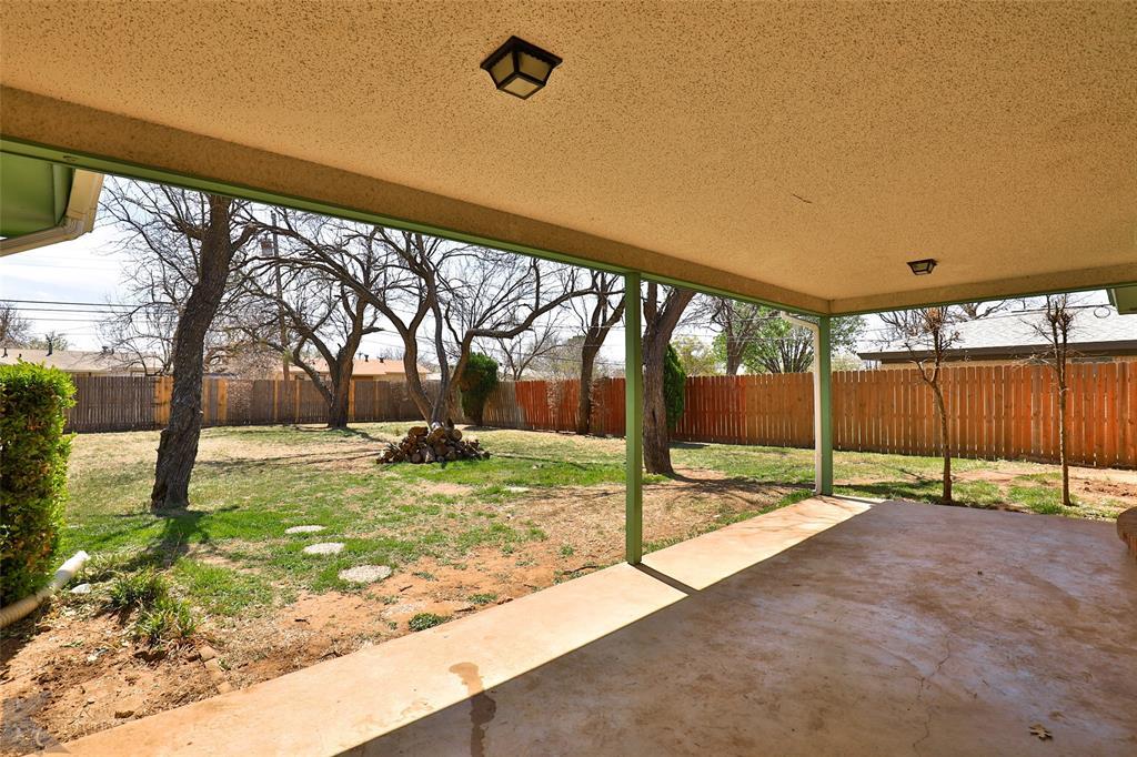 2909 21st  Street, Abilene, Texas 79605 - acquisto real estate best looking realtor in america shana acquisto
