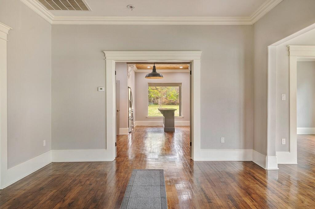 311 Pacific Avenue, Terrell, Texas 75160 - acquisto real estate best real estate company to work for